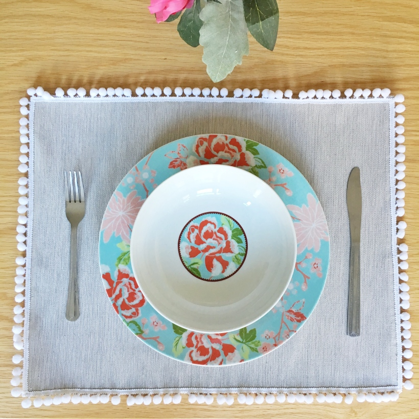 How to make your own pom pom placemats. Pinafores and Peonies blog