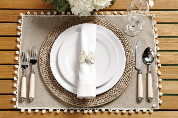 Pom pom placemats. Pinafores and Peonies blog