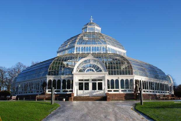 Sefton_Park_Palm_House_Liverpool_England-26Dec2009